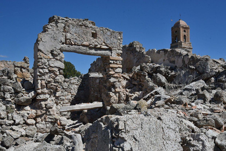 Les ruines en l'état de la guerre civile ! (Photos Fcn)