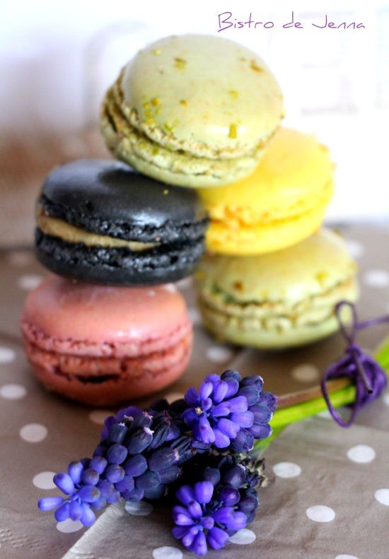 Assortiment de macarons BY///Jenna Maksymiuk