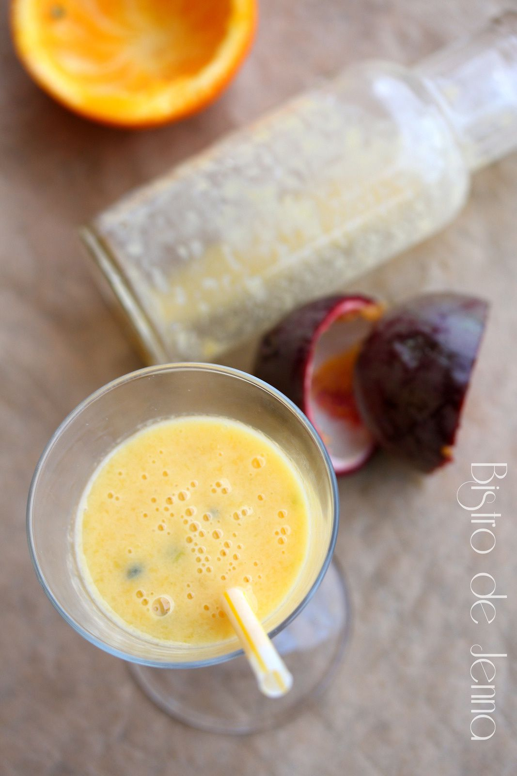 Smoothie fruit de la passion et mangue