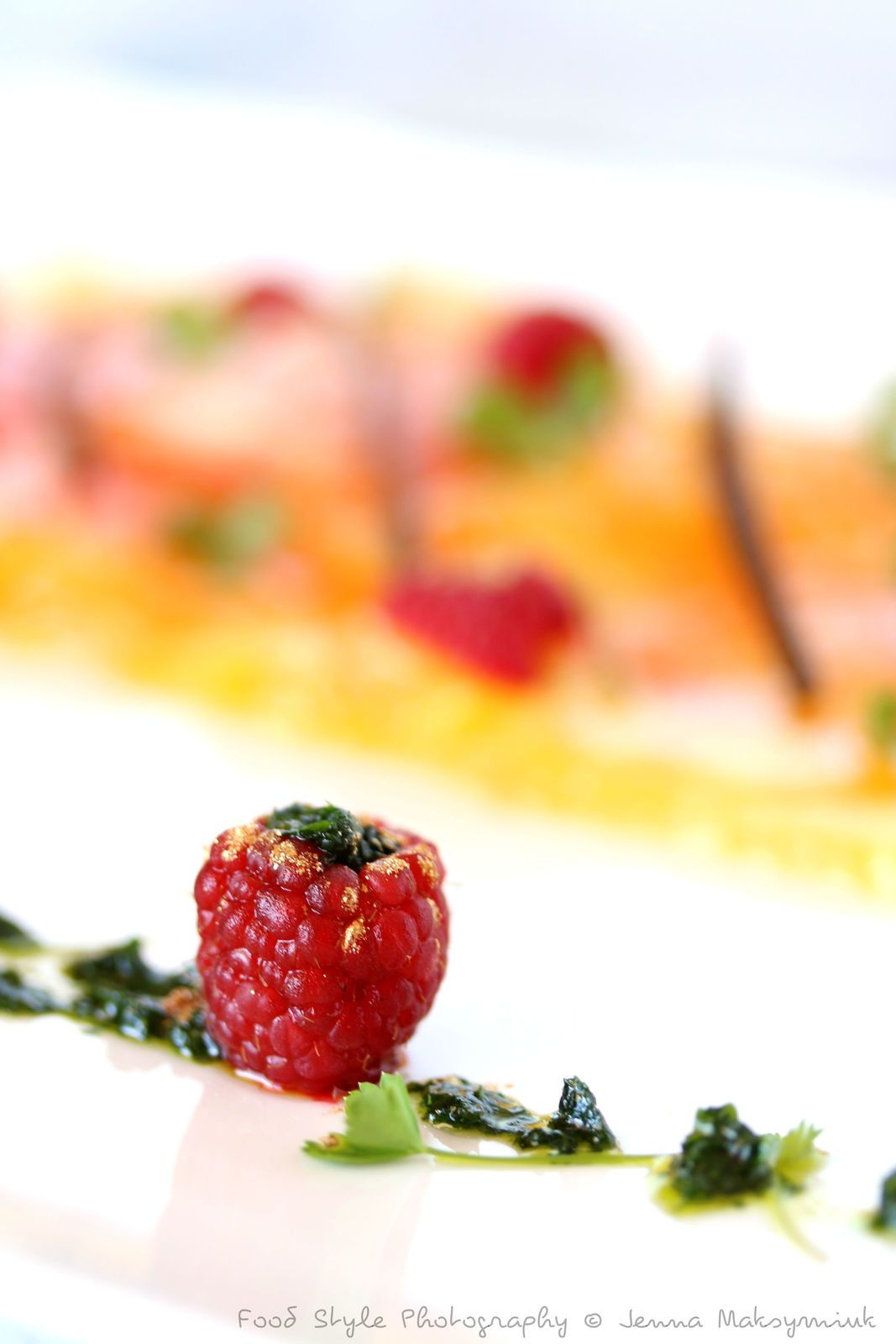 Carpaccio de tomate ananas, framboises et emulsion de coriandre