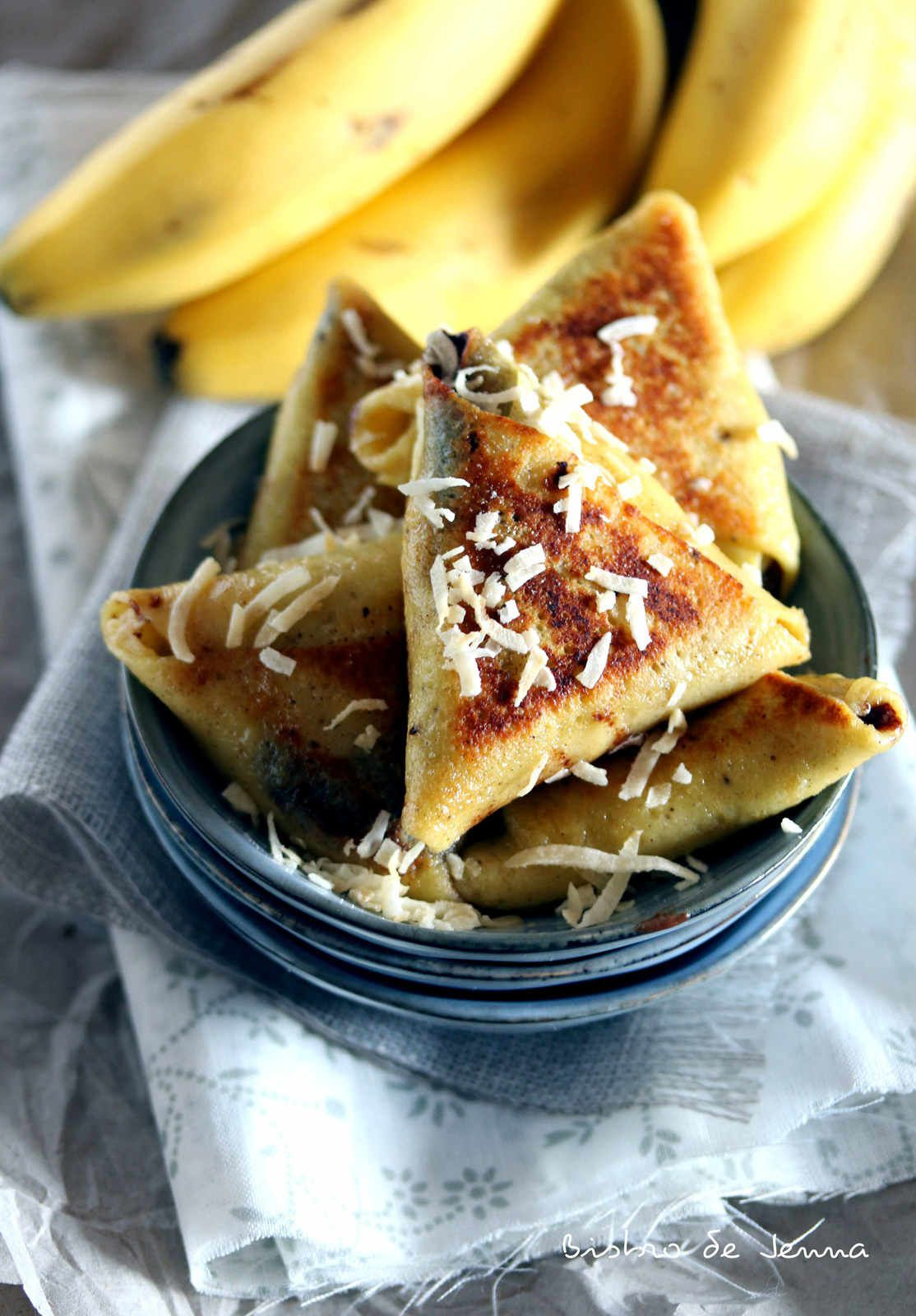 Samoussa de crêpes à la banane et chocolat
