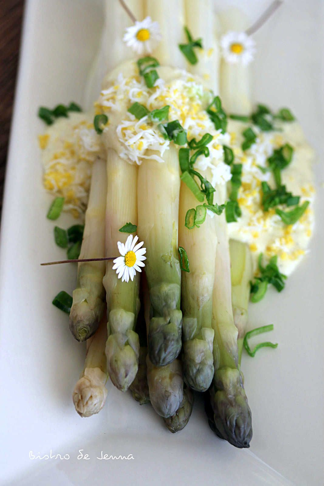 Asperges blanches façon mimosa