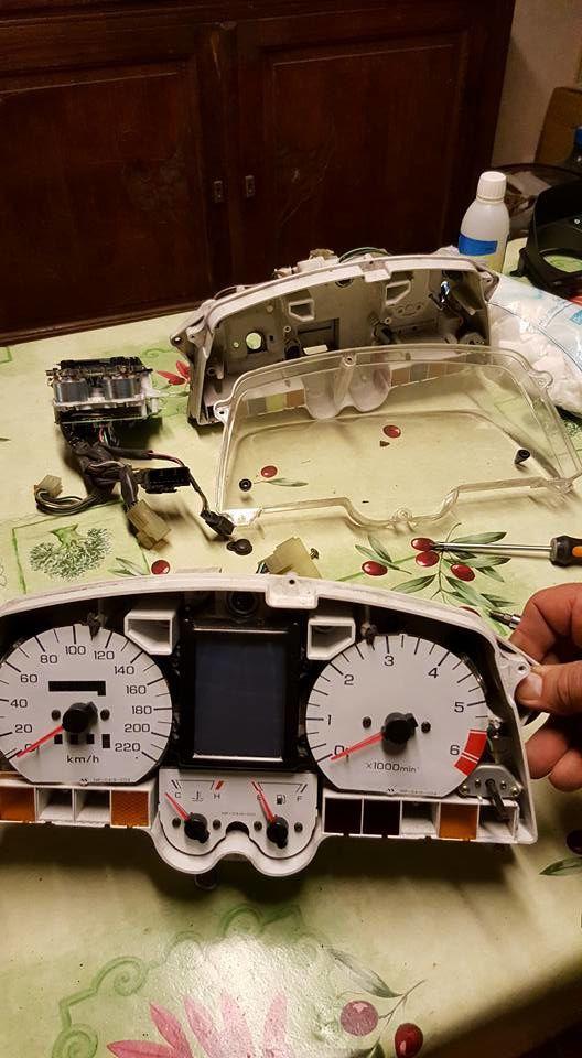 Goldwing 1500 - Changer l'écran LCD du tableau de bord