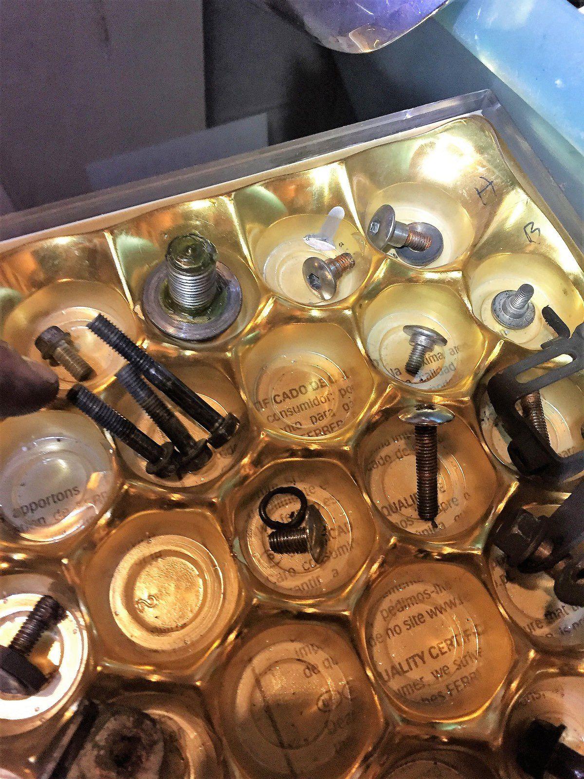 Goldwing Unsersbande - vidange des fourches sur une 1800 - le remontage
