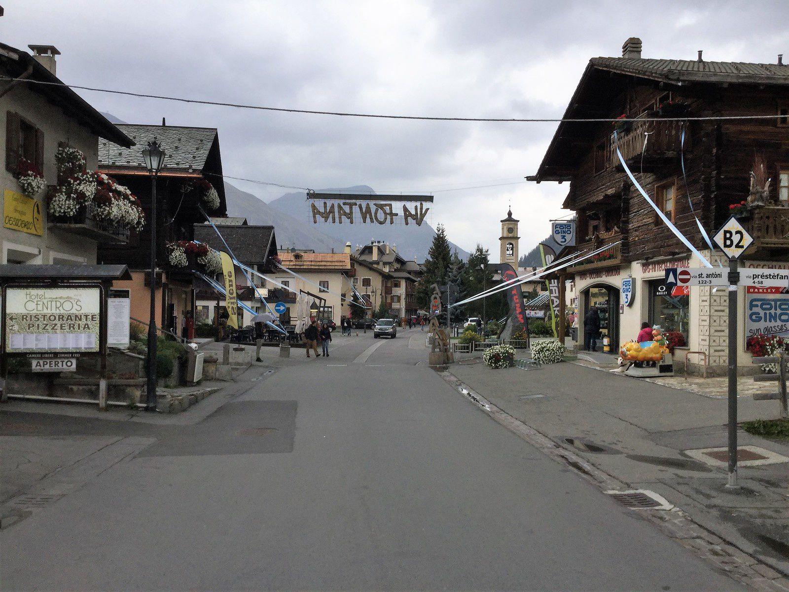 Goldwing Unsersbande - l'Autriche du côté de Nauders, le Stelvio et Livigno 3/4