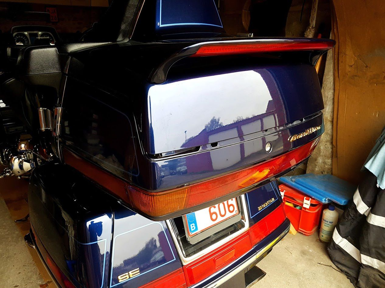Goldwing Unsersbande - 1500 Installer un miroir de courtoisie d'origine par René