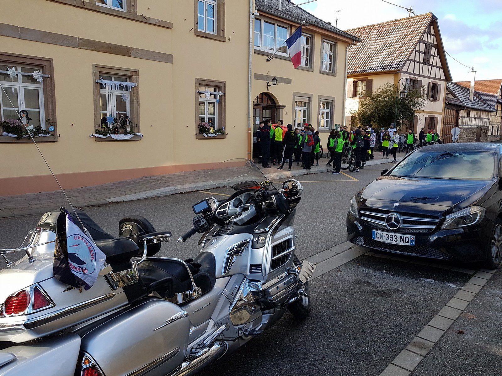 Goldwing Unsersbande - Johnny et Téléthon en Alsace