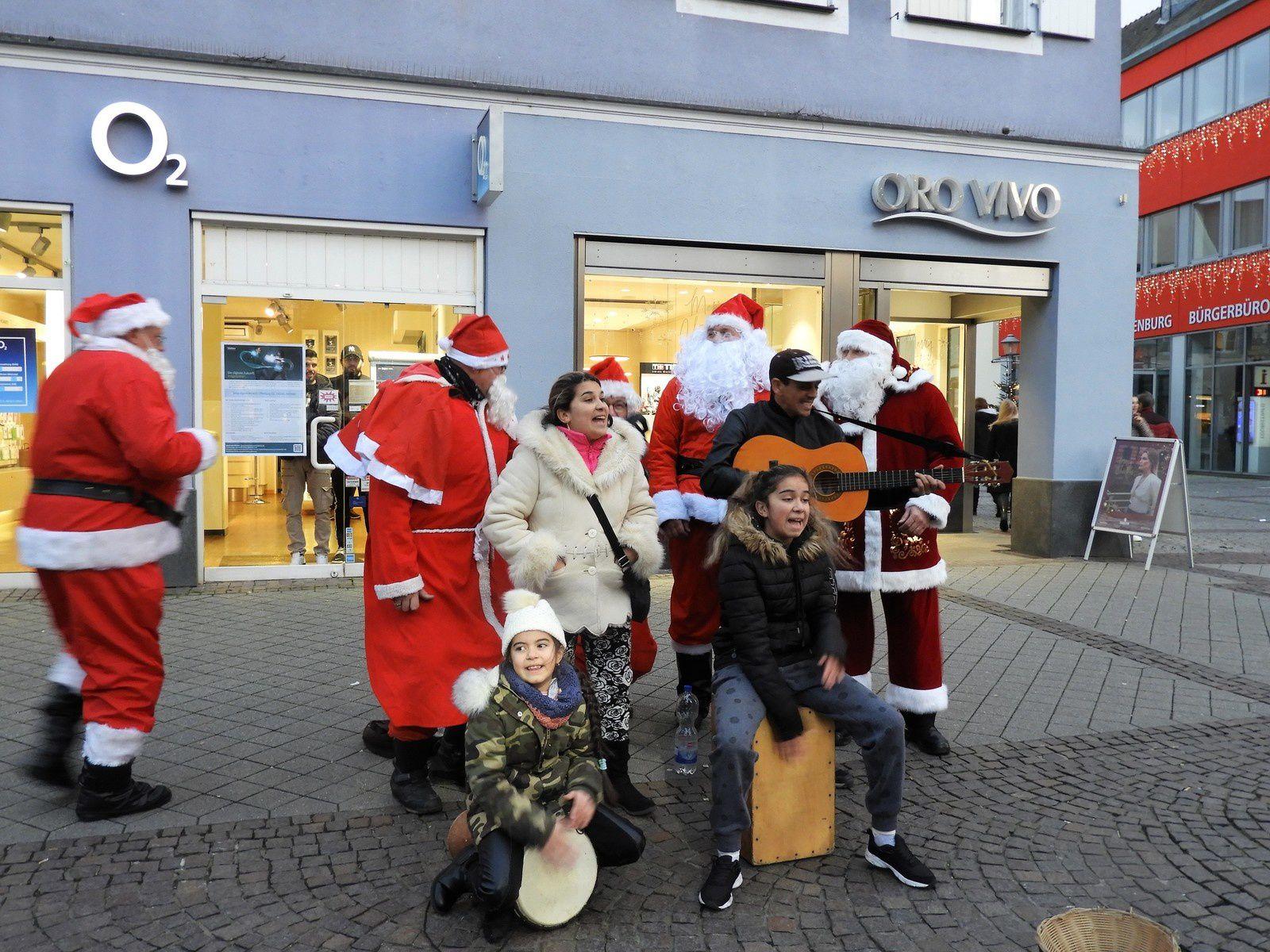 Goldwing Unsersbande - Les pères noël et les lutins 2019 à Offenbourg et Gengenbach