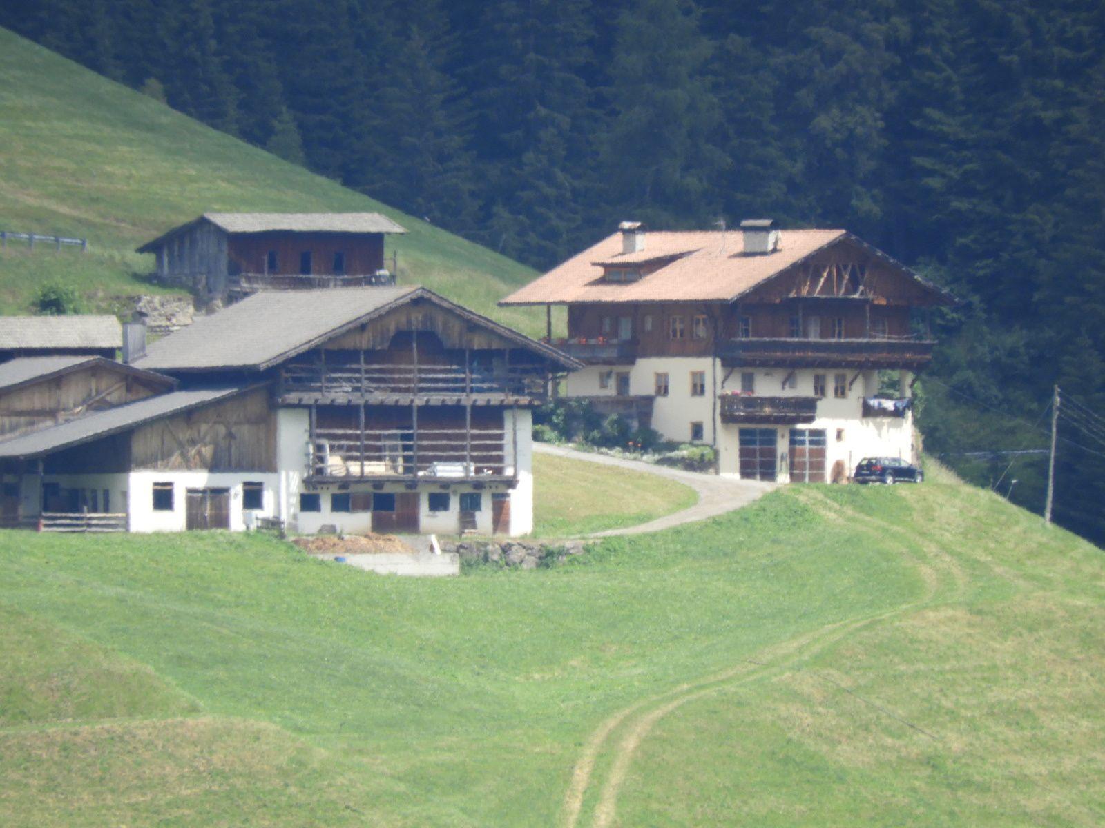 Goldwing Unsersbande - Périple Dolomites et Cinque terre  2° day Bressanone