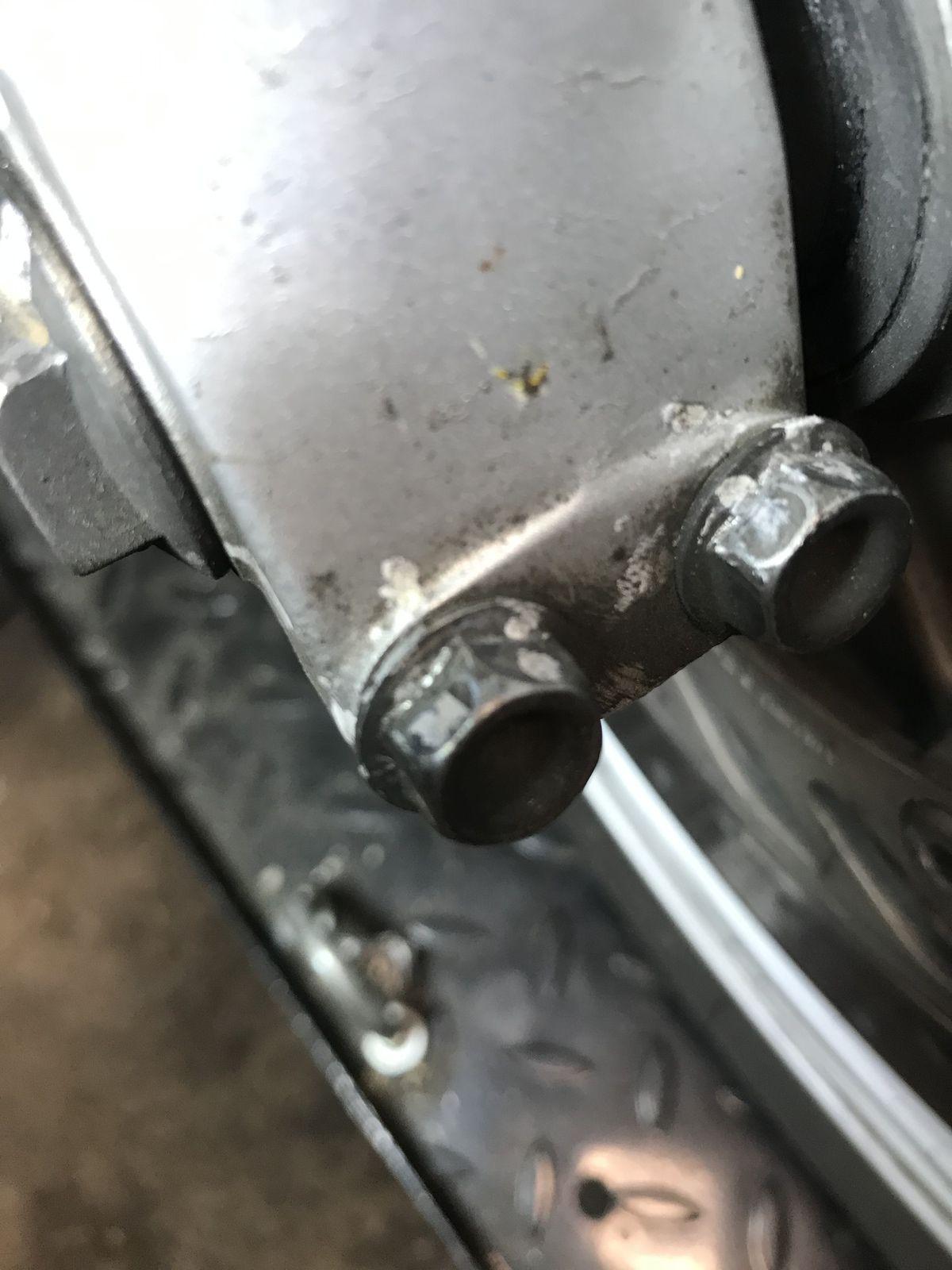 Deauville 650 Unsersbande - Changement roues AV et AR et plaquettes de frein