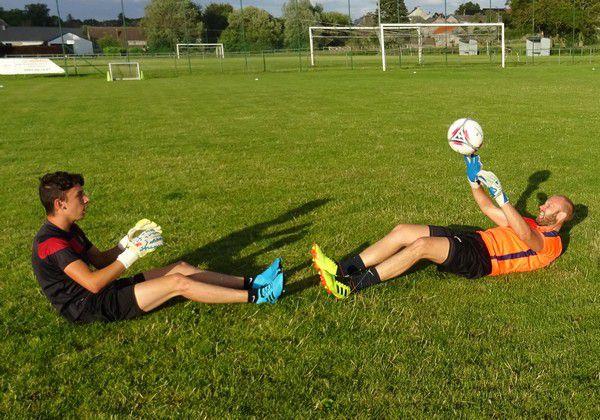 Les 2 gardiens Kevin Dujardin et Maxime Reyntjens.