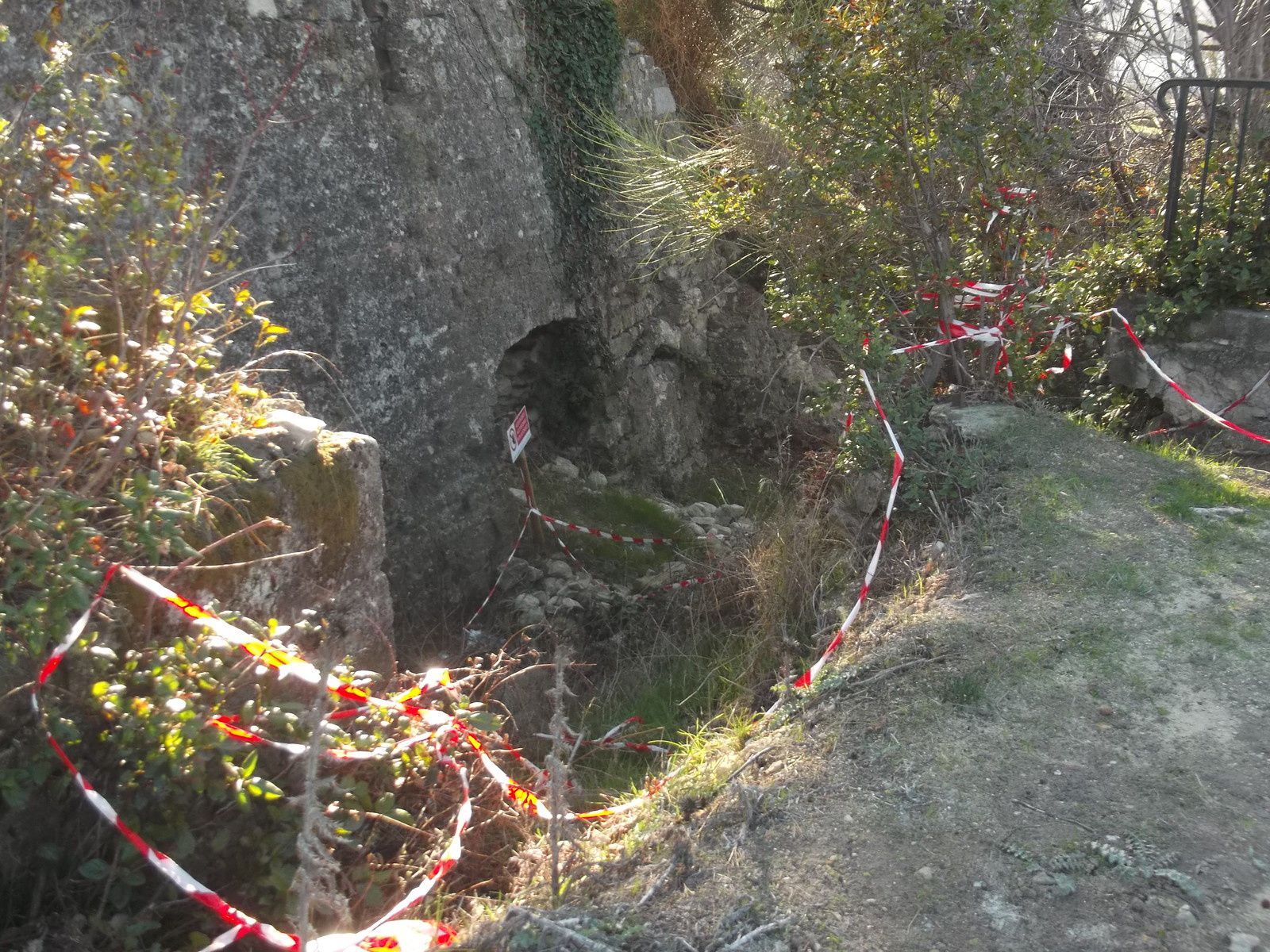 Site archéologique de la colline juillet 2018: No comment, enfin si un petit peu.