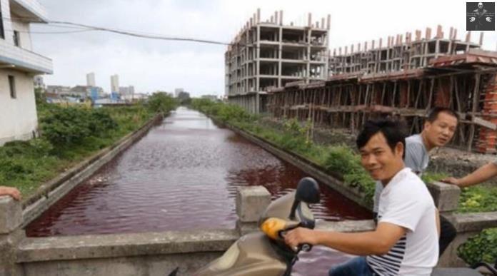 Encore ... Un nouveau cours d'eau devient rouge-sang en Chine en 1h seulement