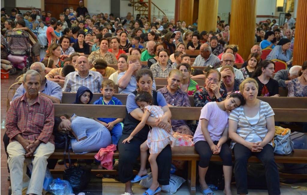 Ils se refugient dans des églises pour fuir la persécution des Jihadistes