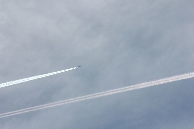 http://beforeitsnews.com/chemtrails/2014/08/they-are-killing-us-with-chemtrails-in-switzerland-2449244.html