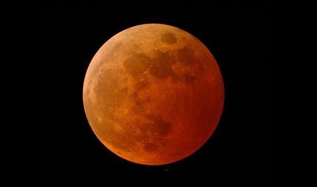Eclipse totale de Lune : ne manquez pas la 'Lune de sang' de mercredi