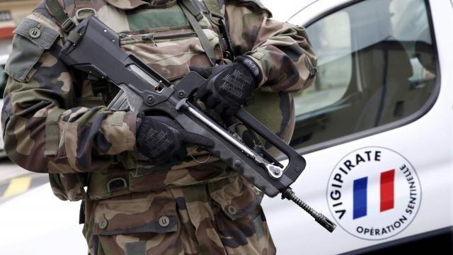 """Terrorisme conséquences des : """"Guerres et bruits de guerre"""", le visage de la France en 2016 (Photos)"""