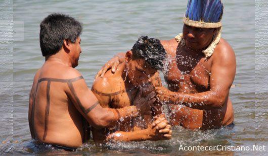 Les conversions s'accélèrent auprès des tribus les plus éloignées du monde