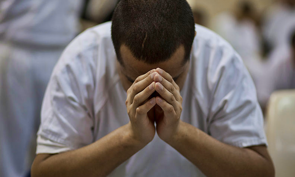 Conversion de 30 détenus suite au témoignage de chrétiens emprisonnés