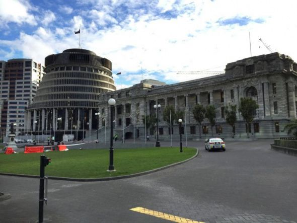 (Photo: REUTERS/Ana Nicolaci da Costa)A police car is seen in front of the parliament building in Wellington, New Zealand, September 21, 2017.