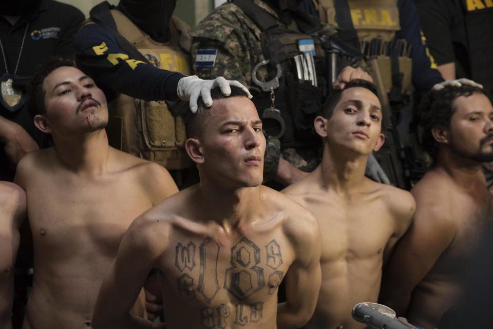 Salvador : Quand des loups deviennent des disciples de Christ - Ils ont trouvé Dieu derrière les barreaux