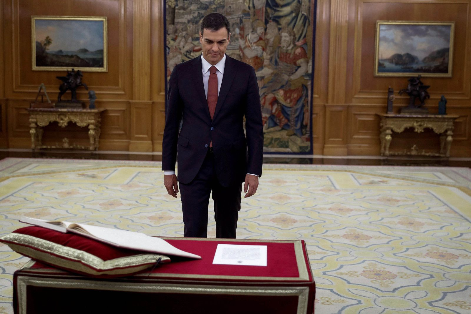 Spain's new Prime Minister Pedro Sanchez during the swearing in ceremony at the Zarzuela Palace in Madrid, Spain Photo: PPE/SIPA USA/PA Images