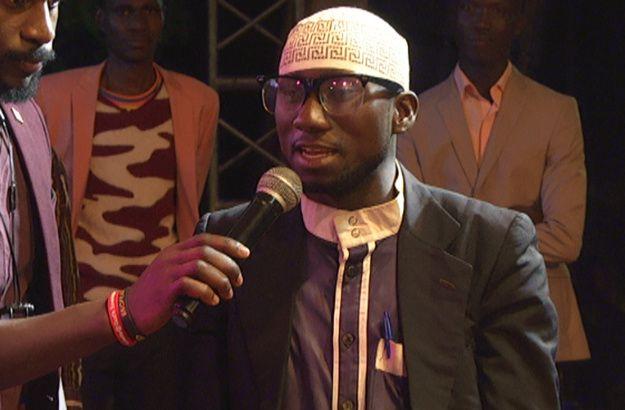 Un imam entre dans une église et déclare : « Je suis venu pour être sauvé »