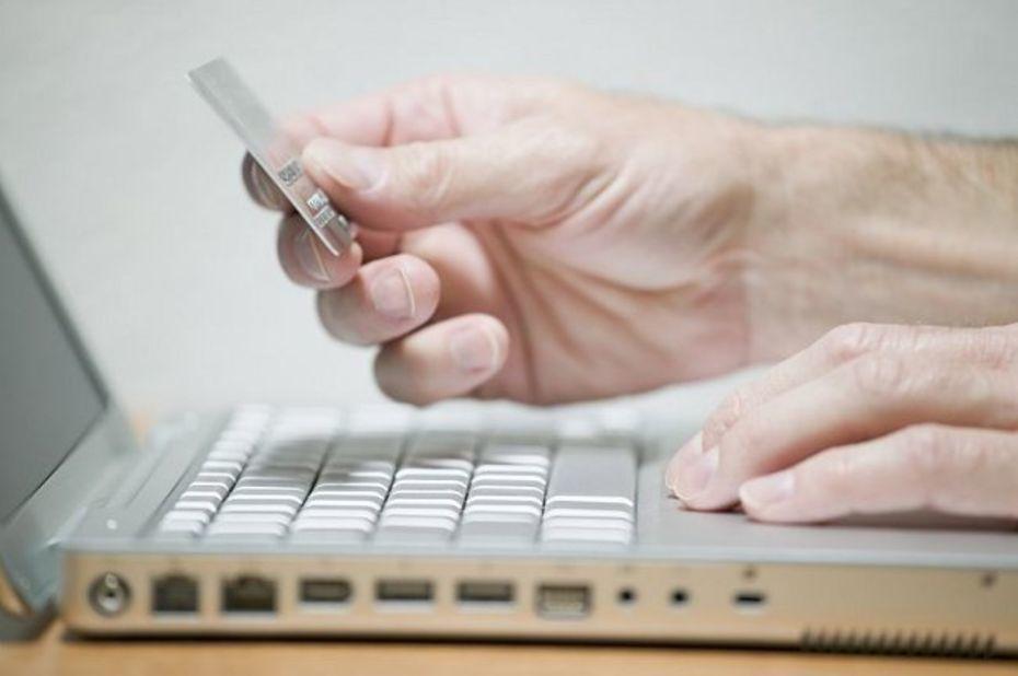 Les banques ont jusqu'à septembre 2019 pour trouver un autre moyen que l'envoi d'un code par SMS pour sécuriser les paiements en ligne. © D.R