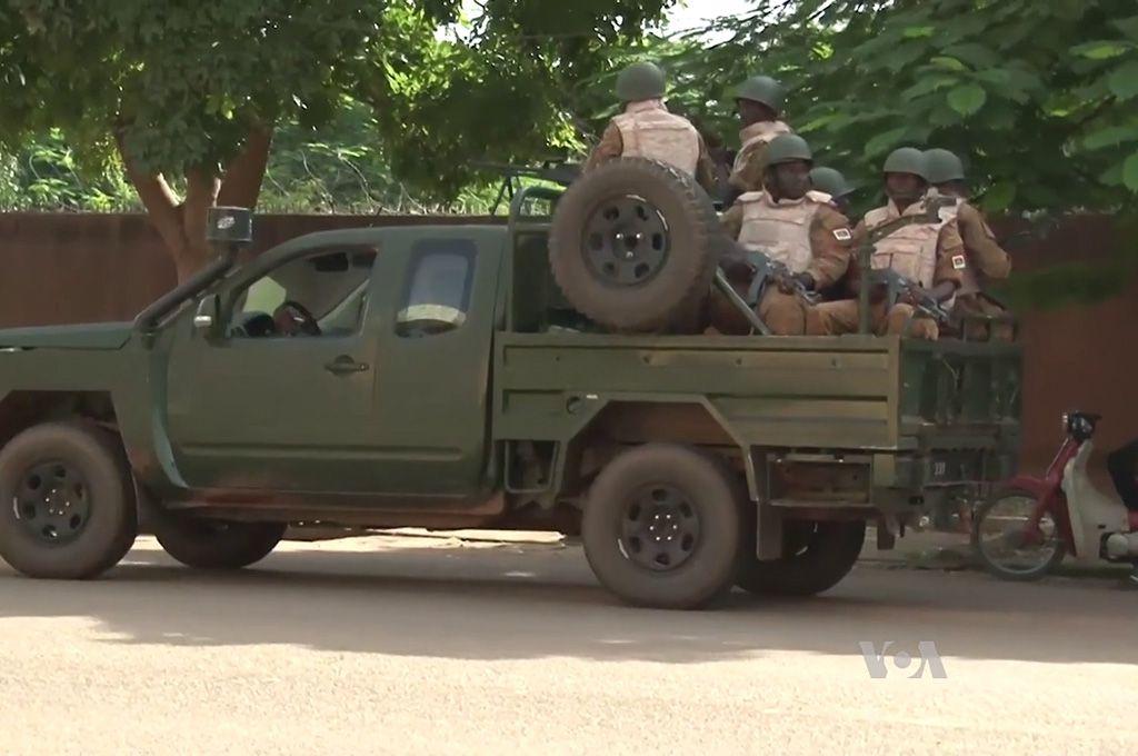 Un pick-up de l'armée loyaliste à Ouagadougou en 2015. (Illustration/wikimedia)