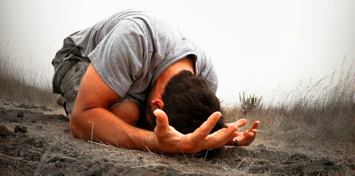 Personnes qui prient