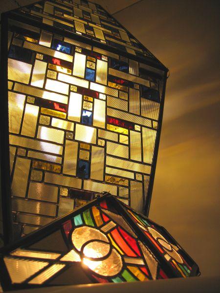 hoblingre_vitrail_luminaire-artefact_rainbow-flag_vitrail-de-l'ours_atelier