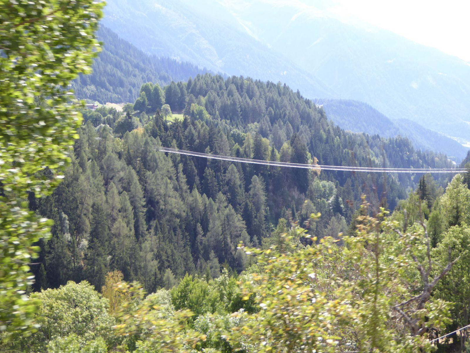 EV17 Le Rhône à vélo en Suisse: Andermatt - Genève