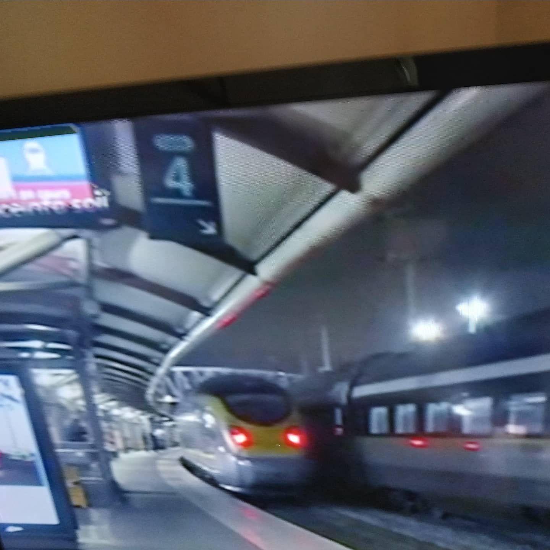 le dernier Eurostar quittant Paris pour la Grande Bretagne encore européenne