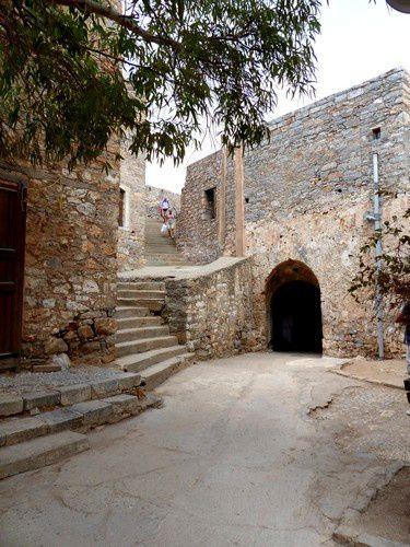 """Spinalonga, """" l'île des oubliés """", en Crète."""