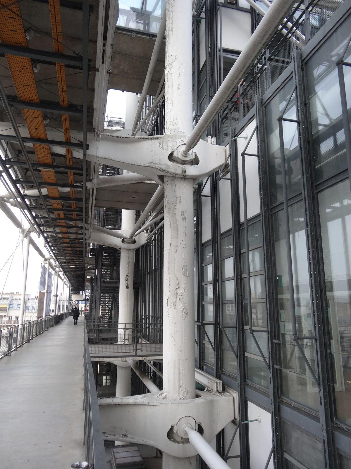 Le centre Pompidou s'abîme
