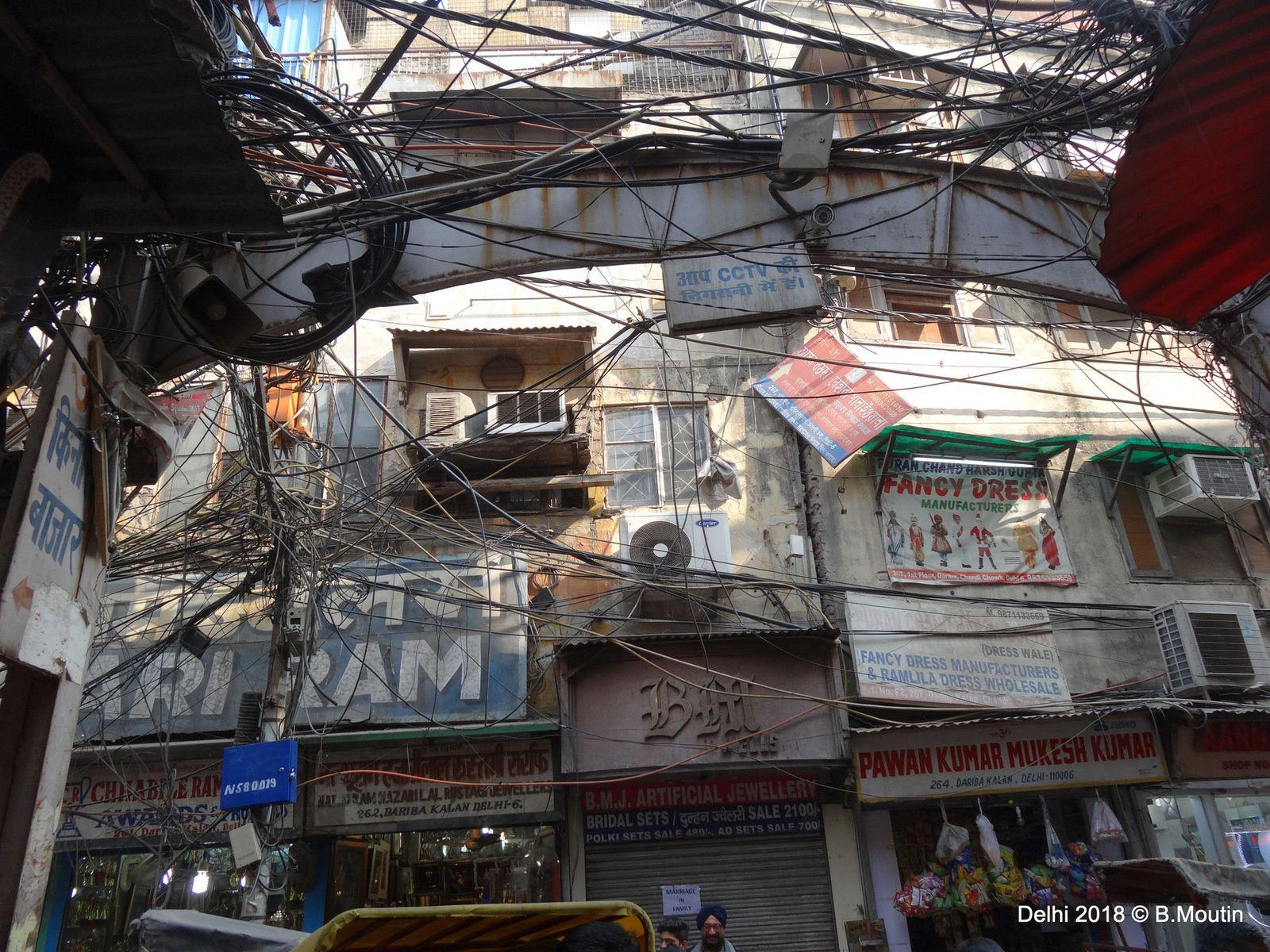 Delhi, une ville savamment câblée ! (4 photos supplémentaires)
