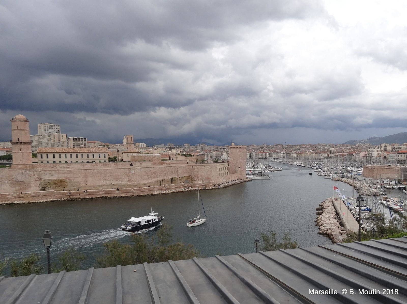 La vue de Marseille et du MUCEM depuis le Pharo