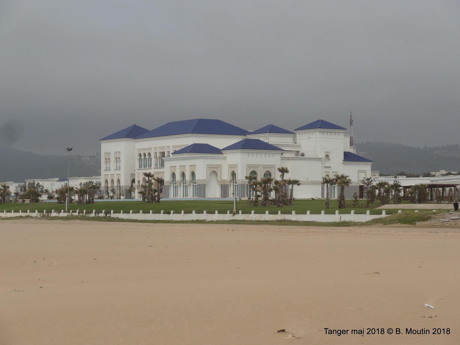 Les palais des rois d'arabie saoudite à Tanger sur la plage de Sidi Kacem (5 photos)