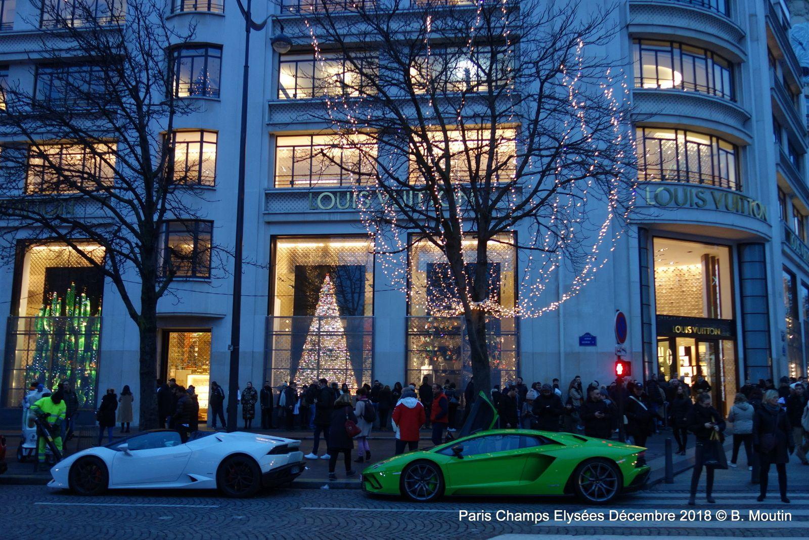 Bientôt Noël à Paris sur les Champs Elysées (6 images)