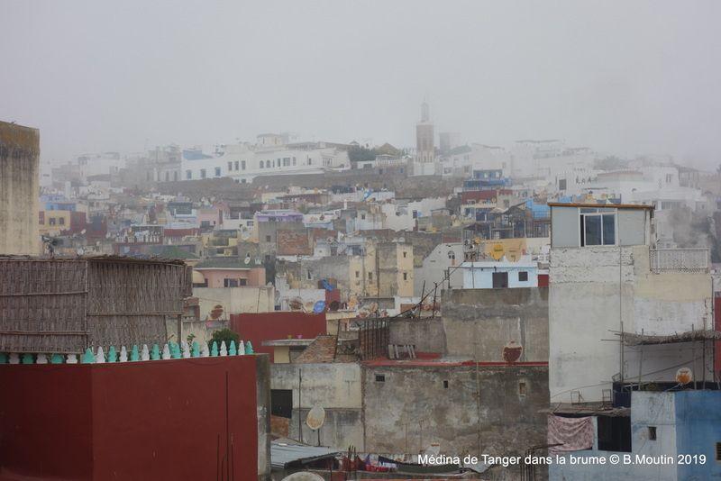 La Médina de Tanger sous la brume