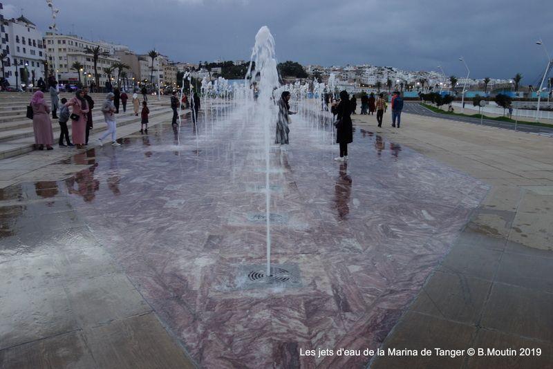 Les jets d'eau de la Marina de Tanger