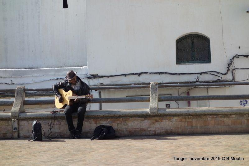 super guitariste venant du Ghana