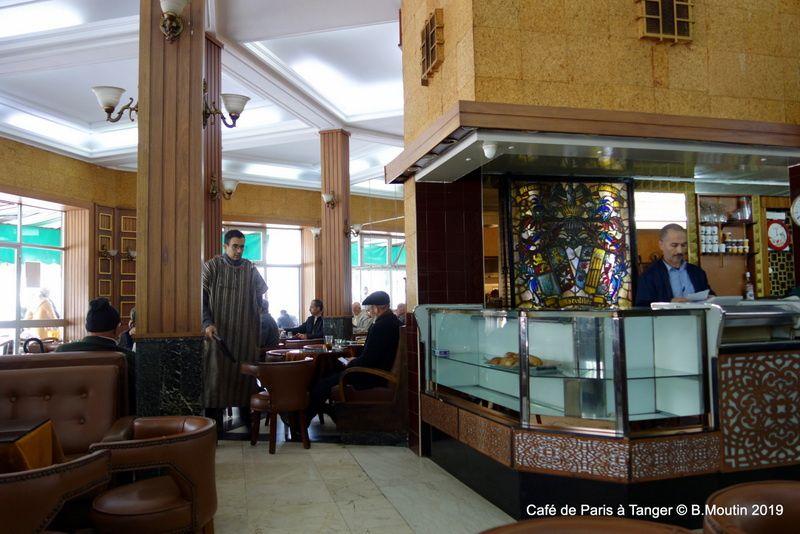 Le Café de Paris à Tanger à l'intérieur (6 photos à agrandir)
