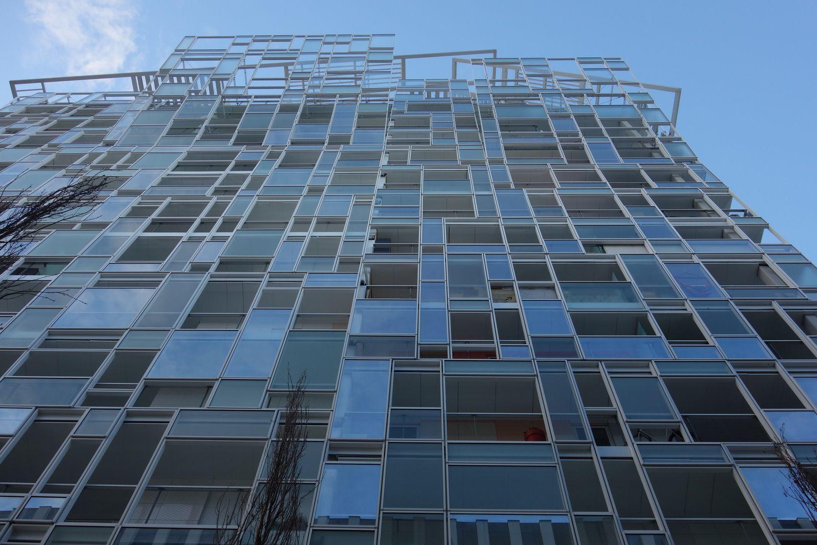 l'immeuble de Jean Nouvel à la confluence à Lyon.
