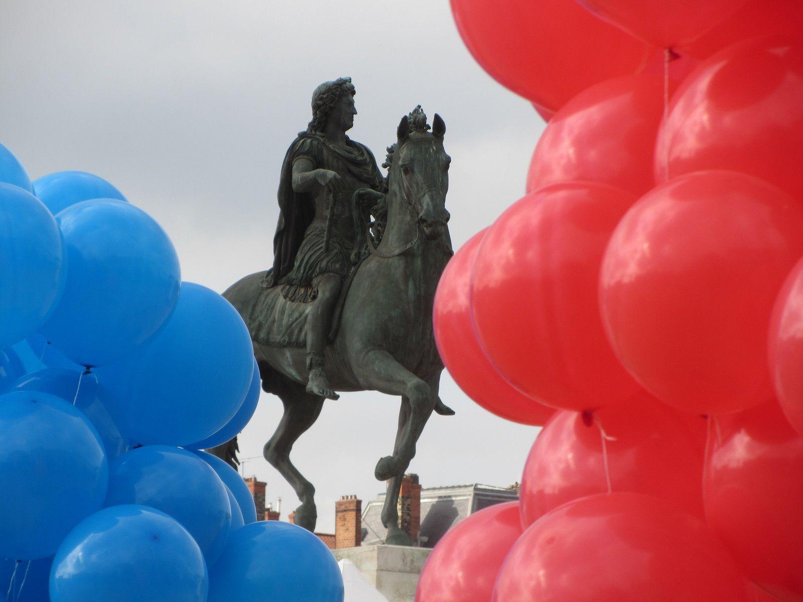 Et la cavalier de la place Bellecourt : Louis XIV
