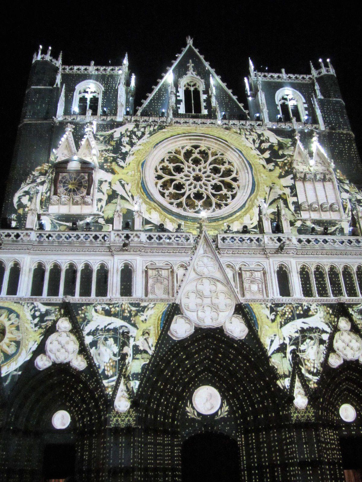 """La cathédrale aux """"cent visages"""""""