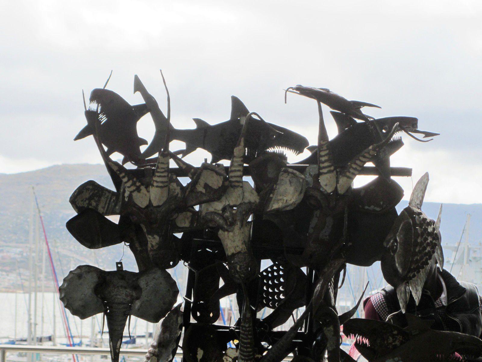 Comme le recyclage des cannettes pour tous ces masques d'animaux ou ces décorations en forme de poissons .