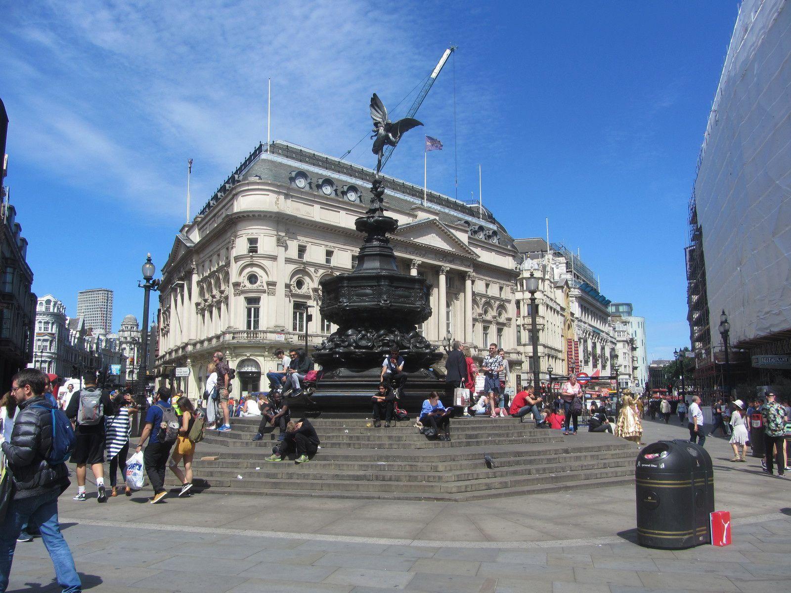 Londres est une ville en pleine mutation, mais où le soucis de protéger le patrimoine est bien présent.