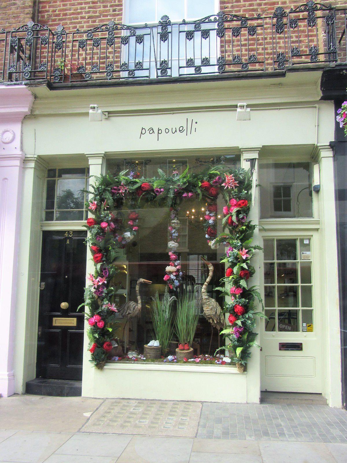Elles décorent avec luxuriance les vitrines des magasins...