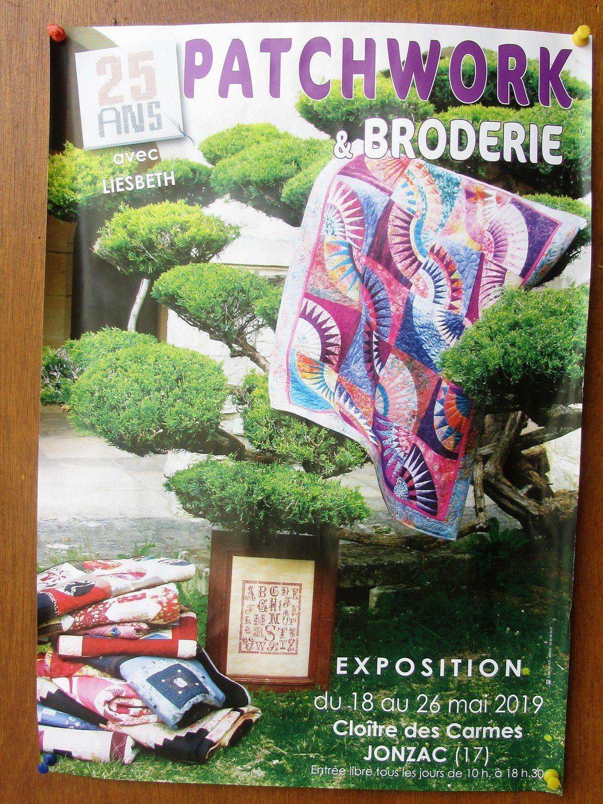 Et justement jusqu'au 26 mai se tient l'exposition des 25 ans du club patchwork et broderie.